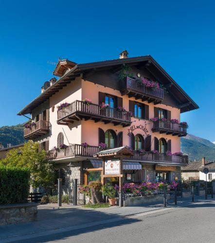 Hotels Introd Italy - Hotels in Introd - Hotels booking ...