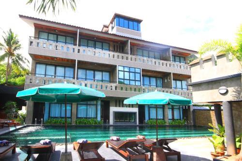 . Green View Village Resort