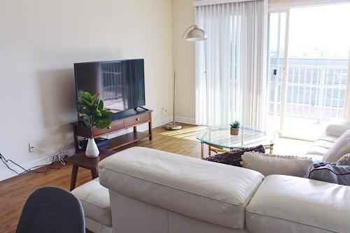 Artist Home at Venice Beach - One Bedroom Oasis - Los Angeles, CA 90292
