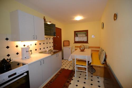 Apartma Korosec, Podjelje 6 - Apartment - Podjelje