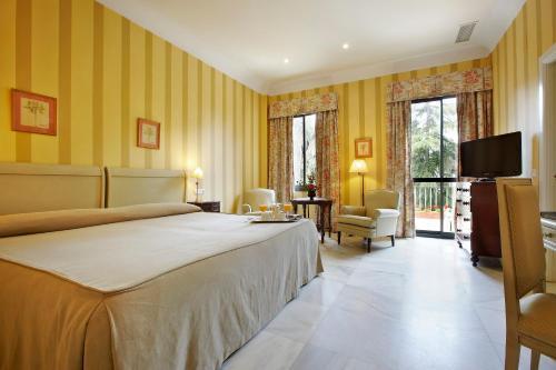 Habitación Doble Superior - 1 o 2 camas (1 adulto) Villa Jerez 9