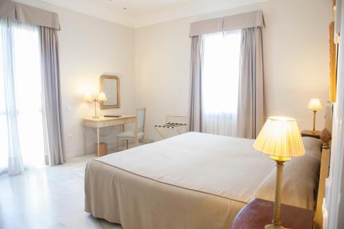 Habitación Doble Superior - 1 o 2 camas (1 adulto) Villa Jerez 10