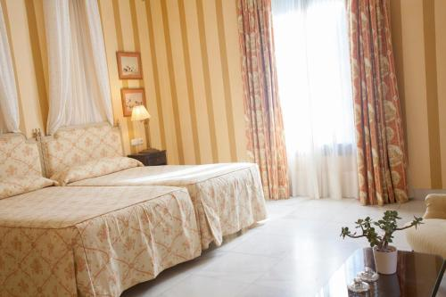 Double or Twin Room Villa Jerez 9