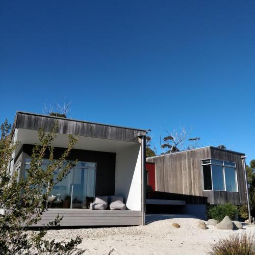 Aplite House - Coles Bay