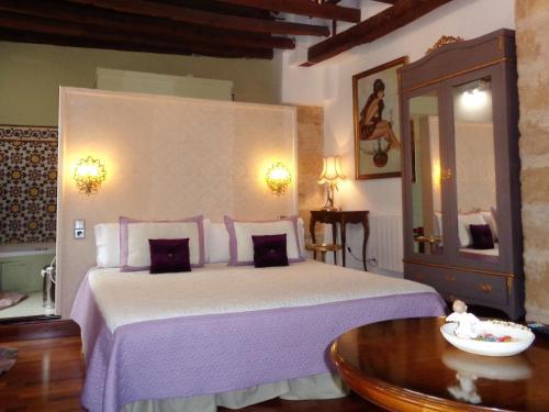 Deluxe Double or Twin Room with Spa Bath Boutique Hotel Nueve Leyendas 5