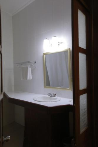 Prince Hotel room photos