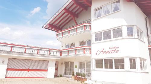Gästehaus Annette - Apartment - Kleinwalsertal