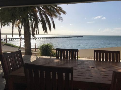 Streaky Bay Beachside & Jetty View Apartments