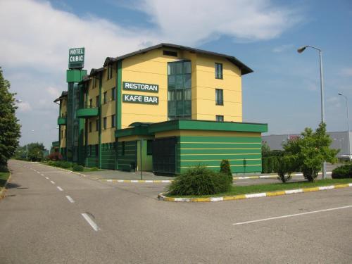 . Hotel Cubic