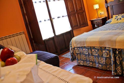 Hotel Camangu istabas fotogrāfijas