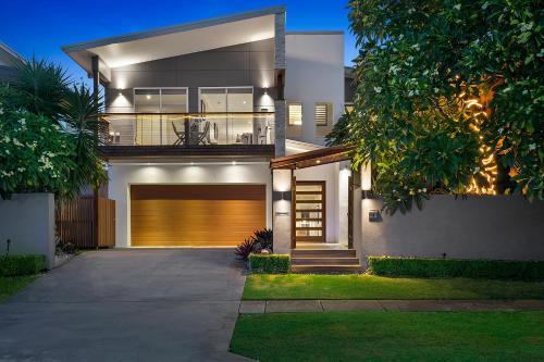 Resort style home in Brisbane Inner North.