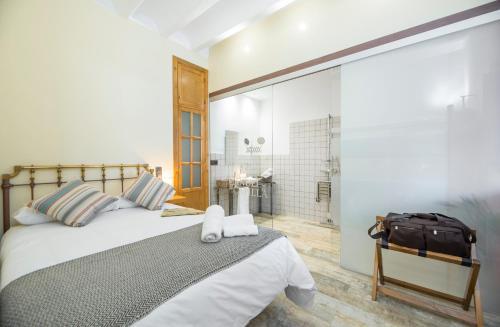 Double Room - Disability Access - single occupancy Manuel de La Capilla 1
