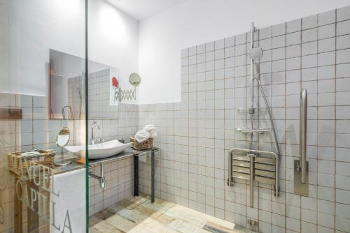 Double Room - Disability Access - single occupancy Manuel de La Capilla 10