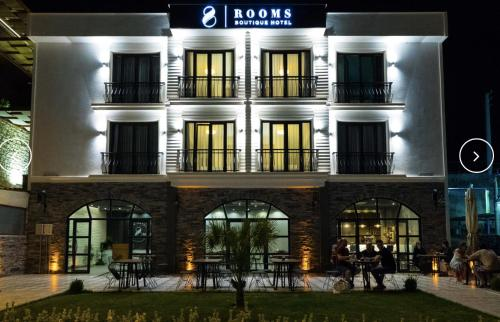 . 8 Rooms Boutique Hotel