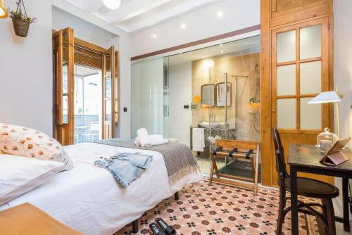 Double Room with Terrace - single occupancy Manuel de La Capilla 1
