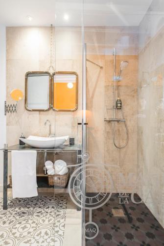 Double Room with Terrace - single occupancy Manuel de La Capilla 14