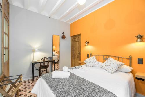 Double Room with Terrace - single occupancy Manuel de La Capilla 3