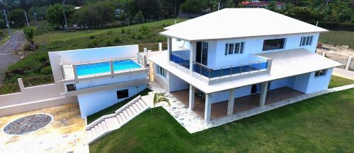 Villa deluxe near to the beach