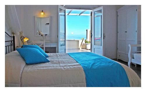 Reverie Santorini Hotel rom bilder