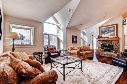 Unit 25 - Beaver Creek, CO 81620