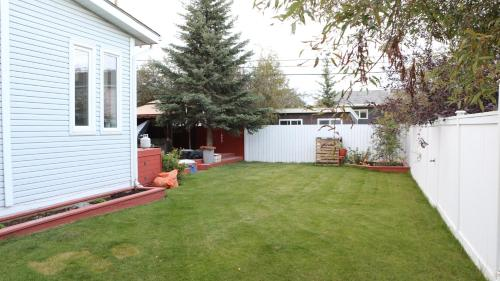 Danh's Bed & Breakfast - Yellowknife, NT X1A 3E8