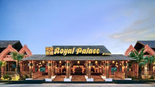. Royal Palace Hotel