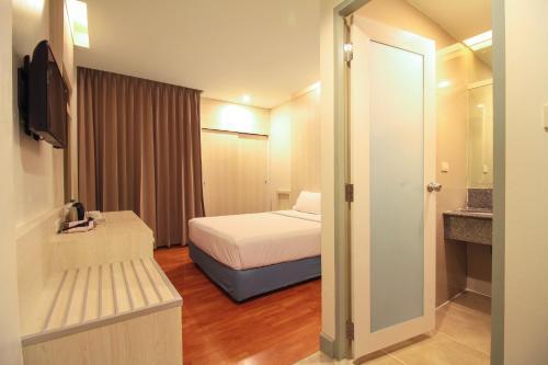 Ten Stars Hotel photo 73