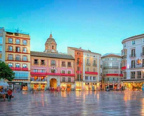 Stay Home & Away in Plaza de la Constitucion Area - Apartment - Málaga