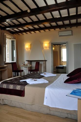 . Hotel Alexander