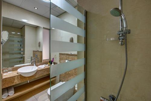 Al Khoory Executive Hotel, Al Wasl Улучшенный двухместный номер с 1 кроватью