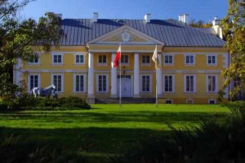 . Pałac Racot