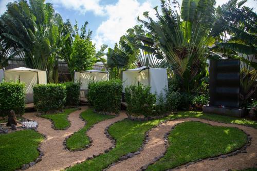 Zilwa Attitude, Calodyne, Calodyne, 000, Mauritius.