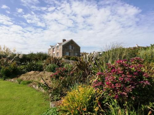Buthyn Dowr Farmhouse B&B