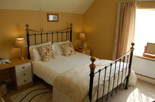 Compton House (Bed & Breakfast)