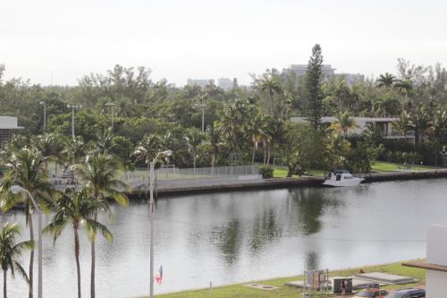 Ocean Spray Hotel - Miami Beach, FL 33140