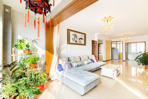 . Jiuyue Orange Apartment
