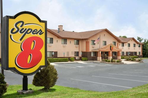 Super 8 by Wyndham Mayfield - Hotel