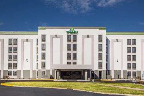 . Wingate by Wyndham Louisville Airport Expo Center