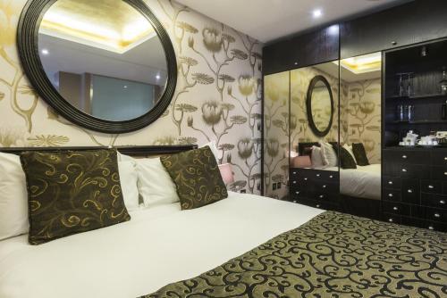 Photo - Le Monde Hotel