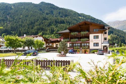 Hotel Garni Bergland Neustift im Stubaital