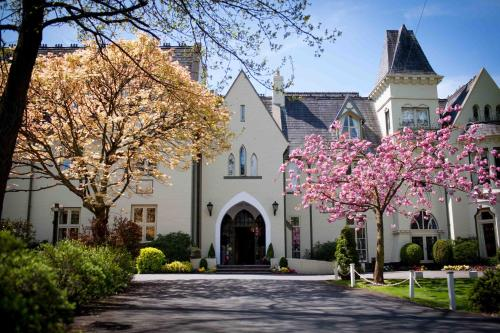 __{offers.Best_flights}__ Glen-Yr-Afon House Hotel