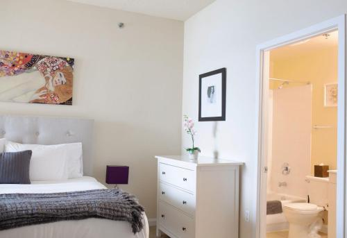 Dharma Home Suites Jc At Exchange Place - Jersey City, NJ 07311