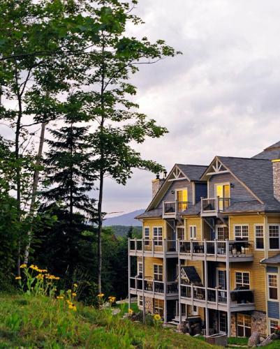 Hébergement Mont-Blanc Hôtel & Condos - Hotel - Saint-Faustin
