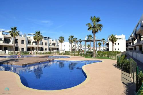 . New Luxury Detached Villa with pool at beach