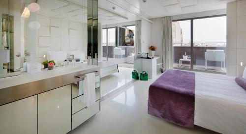 Superior Doppelzimmer mit Terrasse The Mirror Barcelona 18