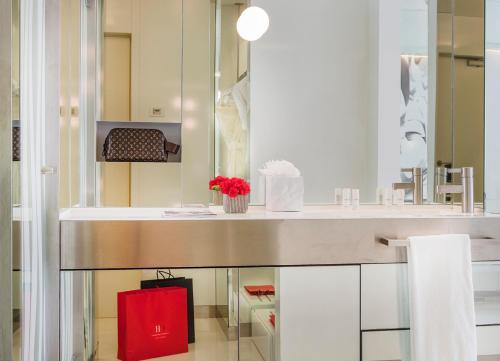 Habitación Doble Deluxe - Uso individual The Mirror Barcelona 26