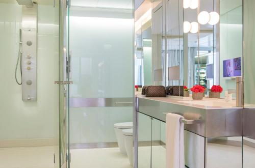 Habitación Doble Deluxe - Uso individual The Mirror Barcelona 27