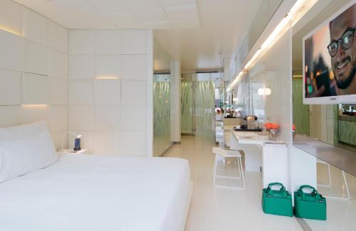 Habitación Doble Deluxe - Uso individual The Mirror Barcelona 31