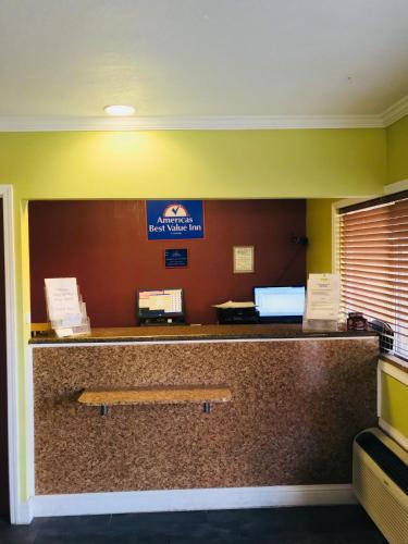 Americas Best Value Inn Visalia - Visalia, CA 93291