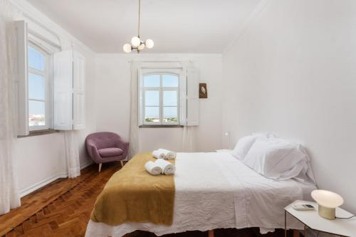 Doppelzimmer mit Flussblick und Gemeinschaftsbad (Double Room with River View and Shared Bathroom)